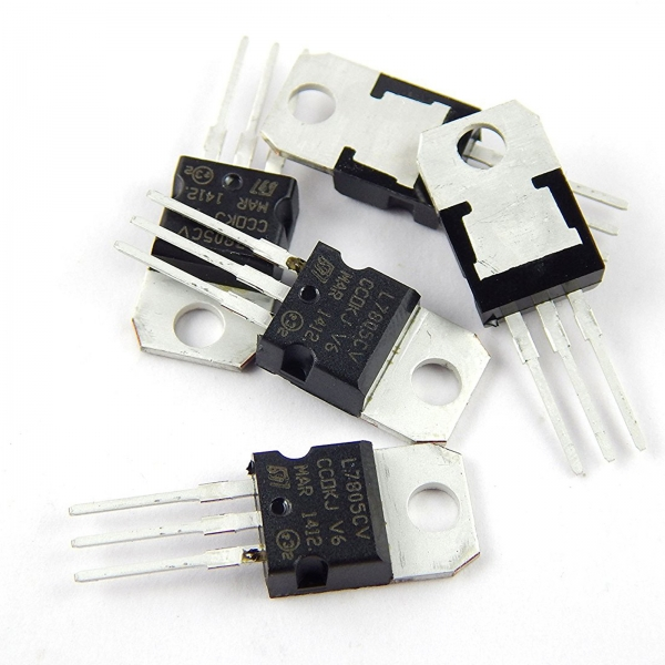 کننده های ولتاژ یا رگولاتور